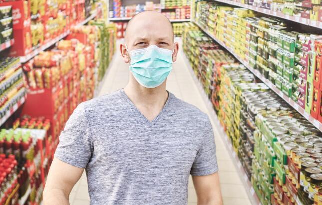 零售连锁店和主要工会都希望食品杂货店的工作人员具有第一响应者的身份