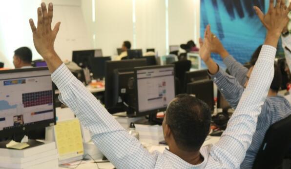 打点助力Nifty收于9,250以上 Sensex上涨1000点