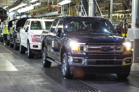 龙卷风如何将扳手插入福特重开卡车工厂的计划中