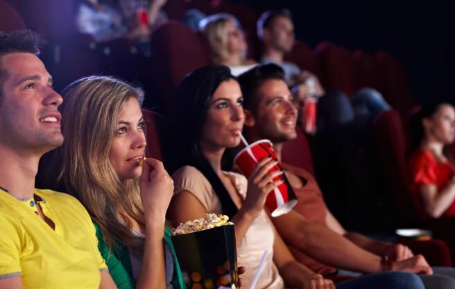 电影正在超越电影院这对媒体股意味着什么