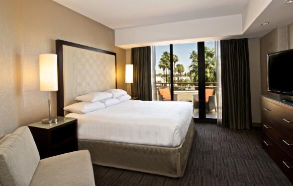 凯悦酒店将于6月1日终止1300名员工的工作以削减成本
