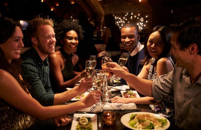 达顿的餐厅库存今天下降 随着各州再次开始营业该行业一直在增长