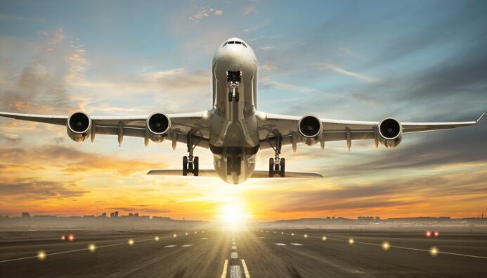 今天的航空股在股市上飞涨