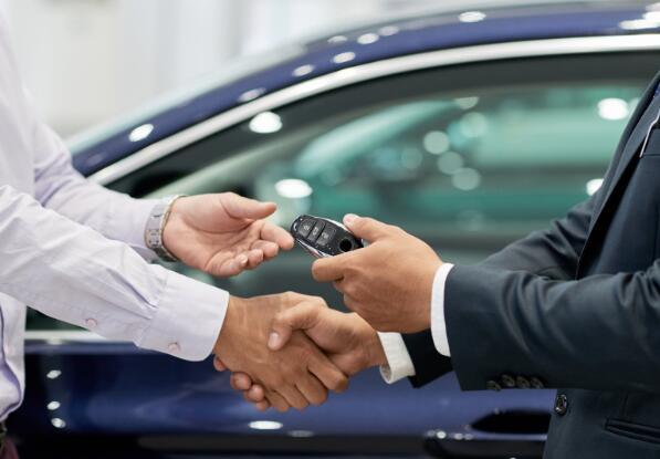 阵亡将士纪念日周末是购买汽车的重要时间