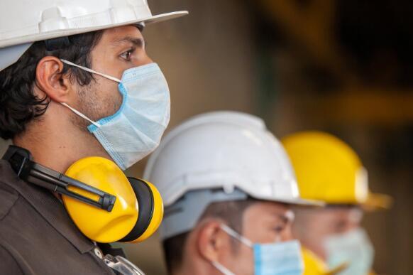 福特工厂的重启标志着制造商在恢复生产过程中必须解决的困难
