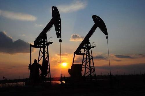 海上石油工业多年来面临最大挫折