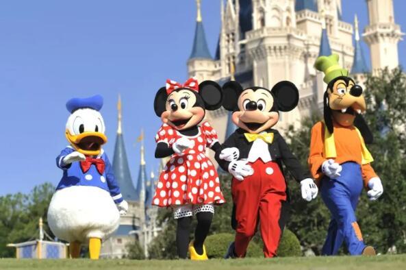 迪士尼希望从7月开始开放一些公园而波音则继续削减成本