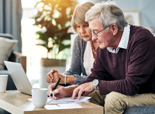 在退休时可能会比预期更多地依赖社会保障