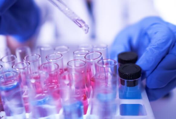 Catalent为阿斯利康和牛津大学大规模生产疫苗
