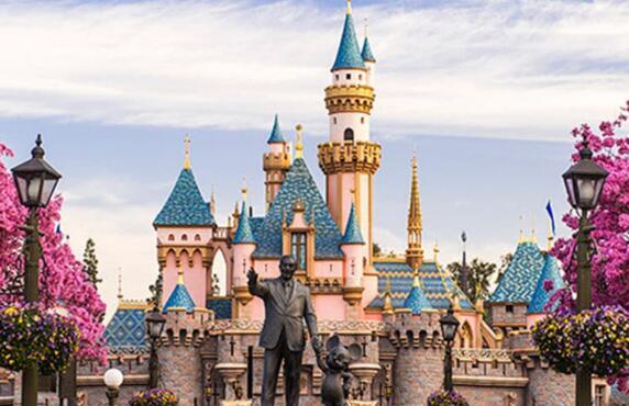 巴黎迪士尼乐园7月15日开幕