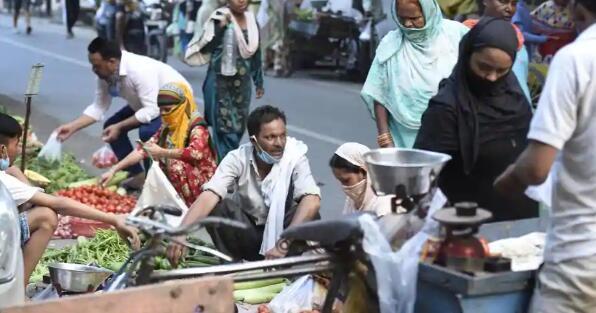 SBI表示印度本财年人均收入下降5.4%
