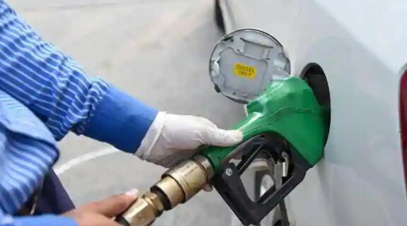 印度国内和国际间燃油价格差距最高