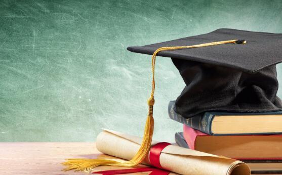 3种可以帮助您送孩子上大学的股票