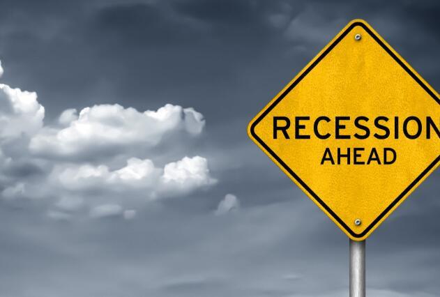 经济衰退中要购买的3种顶级医药股票