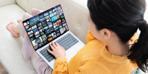 Netflix股票在2020年上半年上涨40%
