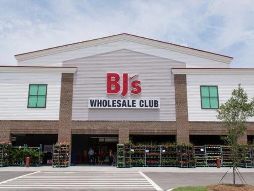 在当前局势期间仓库俱乐部连锁店的销售迅速增长