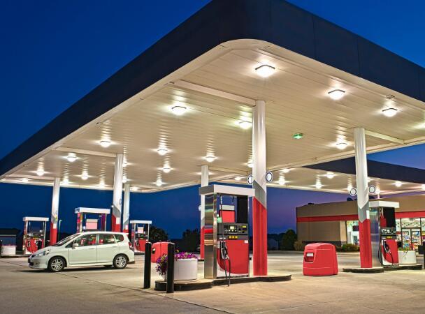 加油站和私募股权公司准备竞标高速公路