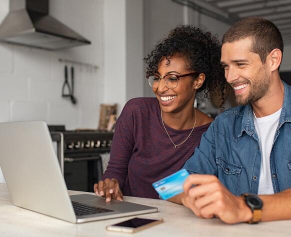 电子商务提供商向购物者提供分期付款的选择
