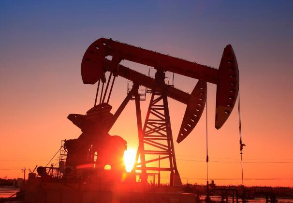 今年的石油库存已下跌约55%