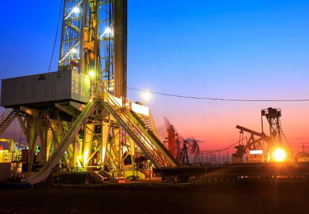 石油市场的低迷极大地削弱了设备公司的业务