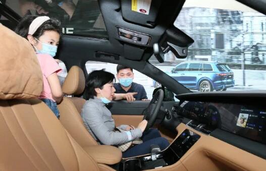 电动SUV制造商在美国IPO筹集11亿美元