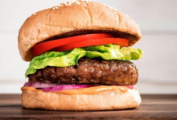 超出肉类股跌幅近8%因收益令人失望的大手笔投资者