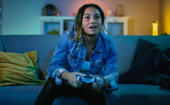 似乎有很多视频游戏玩家呆在家里花更多的钱在公司的产品上