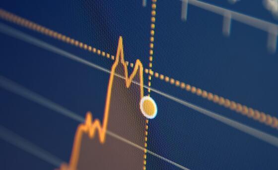 营收突破与强劲的指导推动股价走高