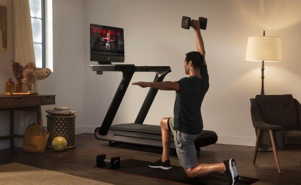 纳斯达克再创新高 细气管球攀爬对健身房的恐惧