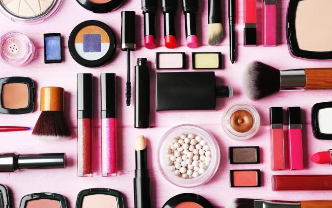 美容产品公司报告的季度业绩令人失望