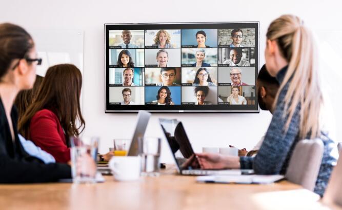 变焦视频通信打破了今天的市场