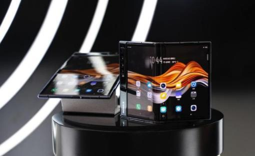柔宇FlexPai 2新品亮相震惊全场 众多用户表示希望购买