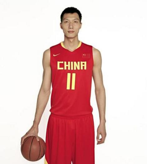 中国篮球界,易建联是最后一块遮羞布