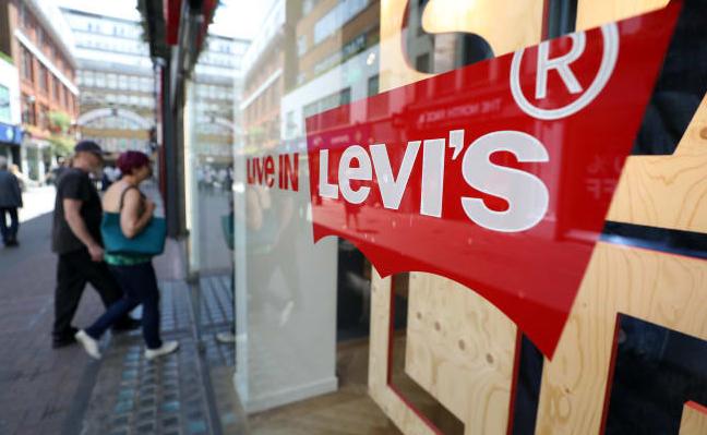 随着在线销售的增长 Levi的股价飙升 抵消了其他收入下降的影响