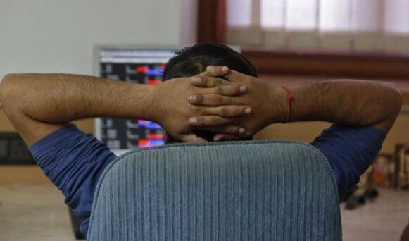 Sensex在广泛获利的基础上跃升350点 Nifty指数在11,750点上方
