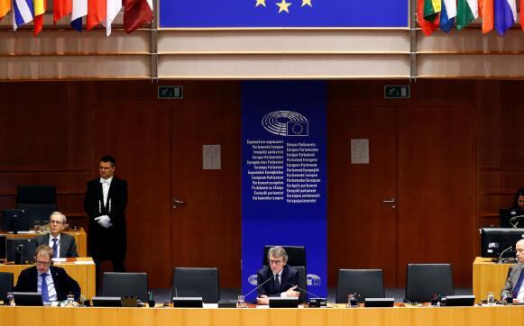 欧盟议会首脑要求领导人提供更多资金以解锁欧盟复苏计划