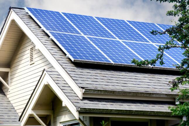 忘记第一太阳能 SolarEdge是更好的可再生能源储备