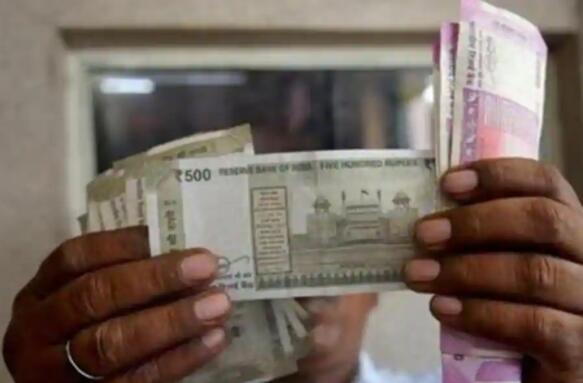 卢比兑美元上涨16派萨至74.46