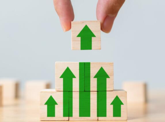 3个高增长公司 上一季度的销售额增长了一倍以上
