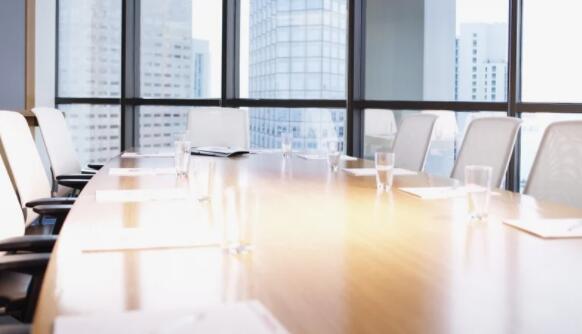 德国内阁同意公司董事会中的女性配额