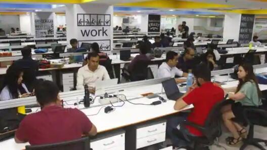 印度服务业在12月失去更多动力 裁员重新开始
