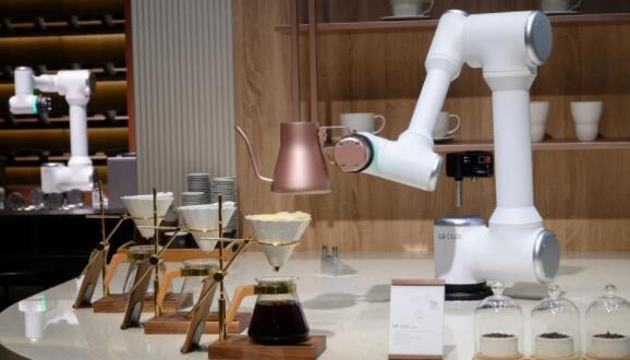 Pandemic的机器人英雄在技术展上彰显其价值