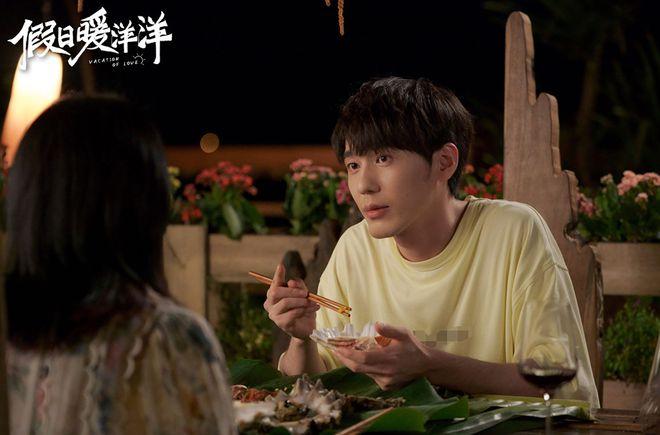 《假日暖洋洋》做为中国第一部贺岁片喜剧电视剧