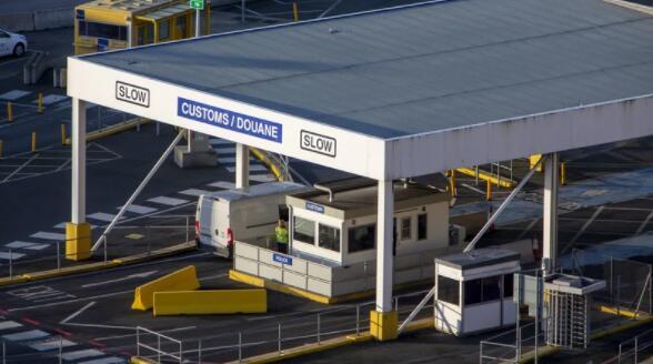 英国海关管制推迟了对爱尔兰出口商的延期
