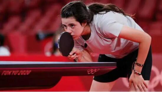 来自战火纷飞国家的12岁小乒乓选手:中国欢迎你!